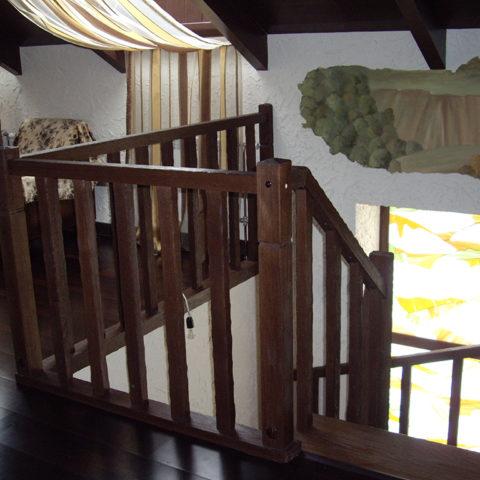 Состаренная лестница из дуба