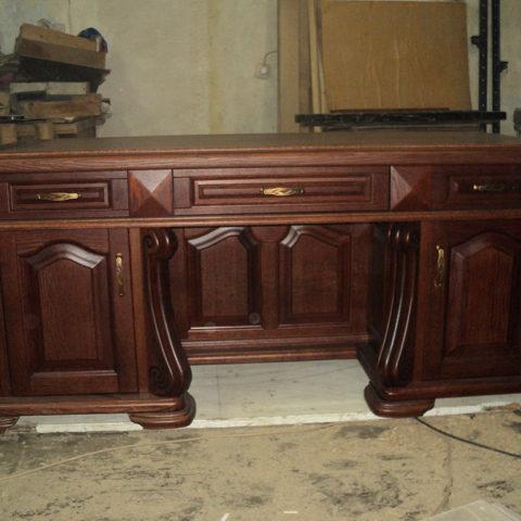 Дубовый стол в кабинет