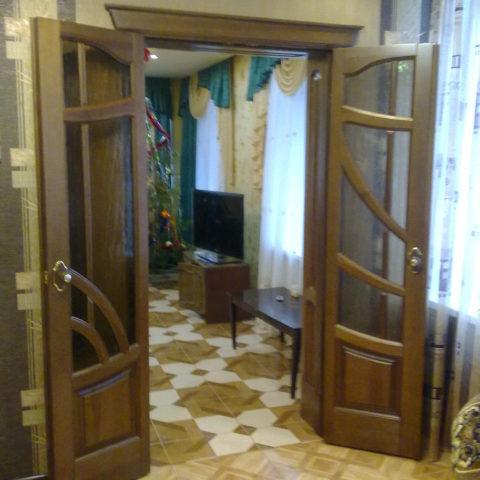 Комплект дверей в загородный дом