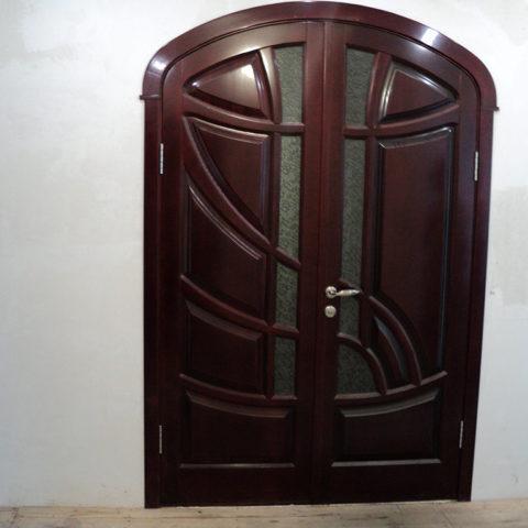 Арочная дверь из дуба